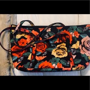 Vera Bradley Lg Tote - Butterfly & Roses Pattern